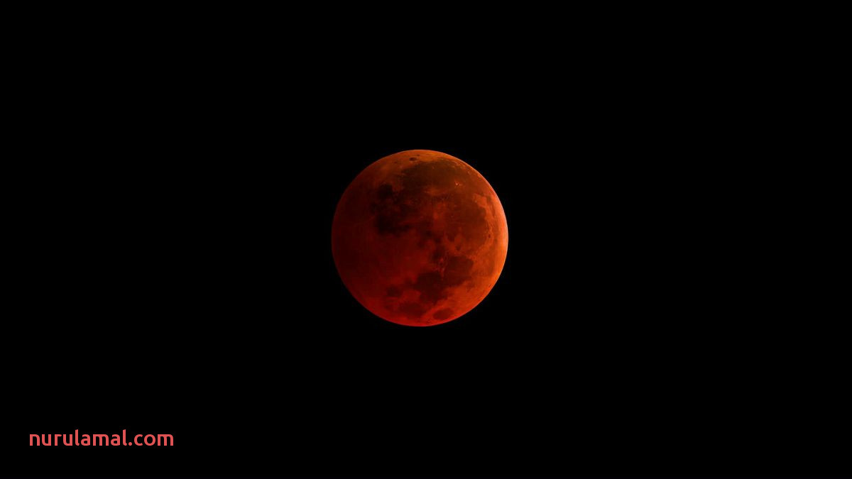 The Phases Of the Super Blue Blood Moon Of 2018 Explained